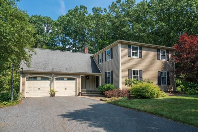 2 Circle Drive, Dover, MA 02030 (MLS #72871686) :: EXIT Cape Realty