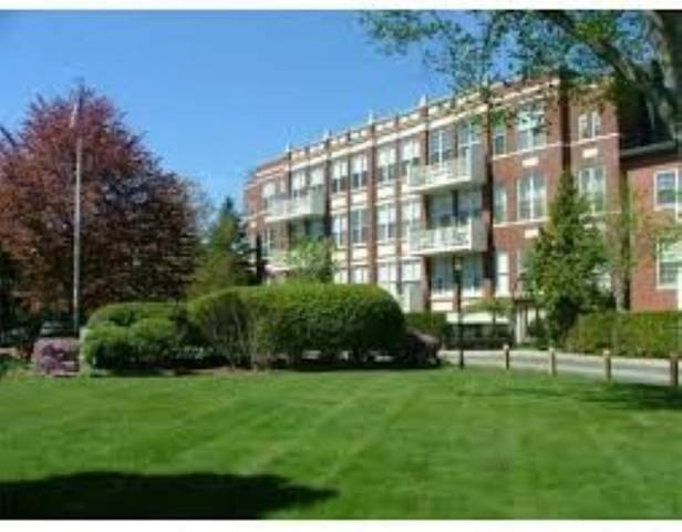 100 Parks St #22, Duxbury, MA 02332 (MLS #72875572) :: Welchman Real Estate Group
