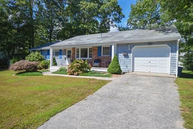 9 Half Moon Circle, Falmouth, MA 02536 (MLS #72887455) :: Welchman Real Estate Group