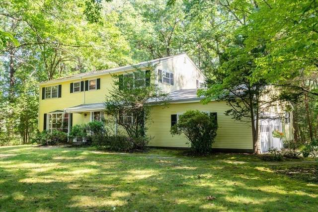 2 Edgewater Drive, Dover, MA 02030 (MLS #72893229) :: The Seyboth Team