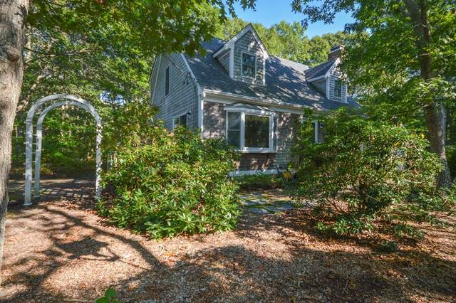 28 N Bournes Pond Road, Falmouth, MA 02536 (MLS #72894679) :: The Ponte Group