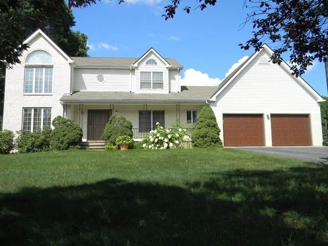 4 Woodside Ave, Cumberland, RI 02864 (MLS #72897789) :: Spectrum Real Estate Consultants