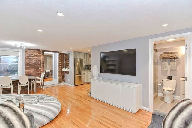 25 Phillips St A, Boston, MA 02114 (MLS #72898056) :: Kinlin Grover Real Estate