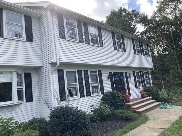 8 Chickering Ln, Walpole, MA 02081 (MLS #72899775) :: Welchman Real Estate Group