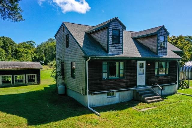 1972 Crandall Rd, Tiverton, RI 02878 (MLS #72900196) :: Spectrum Real Estate Consultants