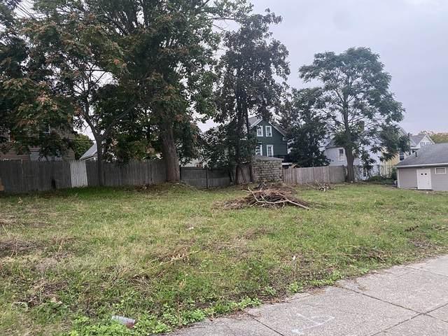 211 Kempton St, New Bedford, MA 02740 (MLS #72900270) :: RE/MAX Vantage