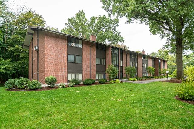 4 Longwood Drive #4, Andover, MA 01810 (MLS #72900627) :: Alex Parmenidez Group