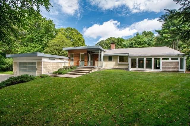 27 Cushing St, Hingham, MA 02043 (MLS #72905747) :: The Smart Home Buying Team