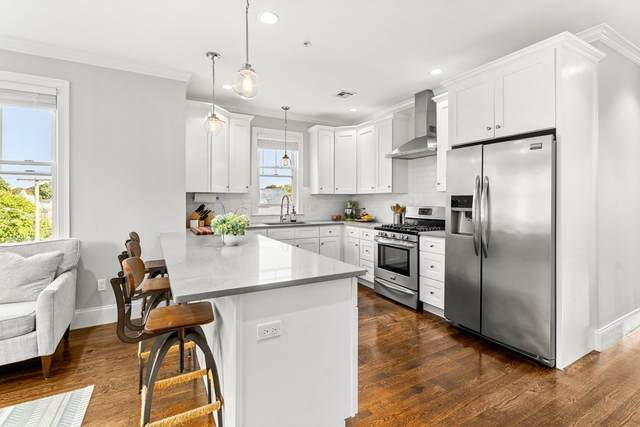407 Pleasant Street 3A, Melrose, MA 02176 (MLS #72908297) :: The Smart Home Buying Team