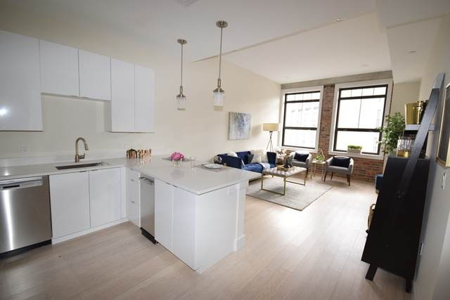 121 Portland Street #507, Boston, MA 02114 (MLS #72909889) :: The Smart Home Buying Team