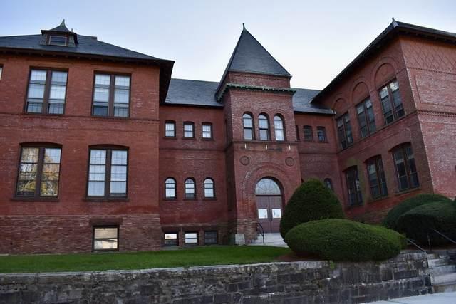 31 Elizabeth St #203, Worcester, MA 01605 (MLS #72910040) :: The Smart Home Buying Team