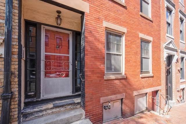 11 Anderson St, Boston, MA 02114 (MLS #72911928) :: Boylston Realty Group