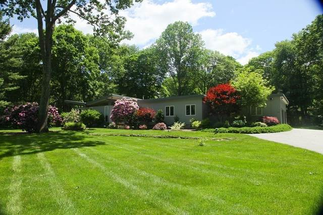 19 Sterling Dr, Dover, MA 02030 (MLS #72912013) :: The Smart Home Buying Team