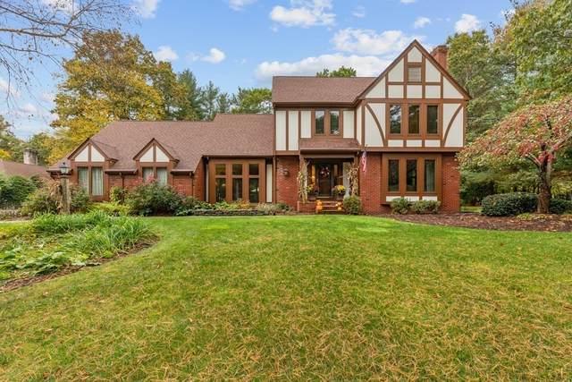 110 Hewitt Drive, Raynham, MA 02767 (MLS #72913497) :: Home And Key Real Estate