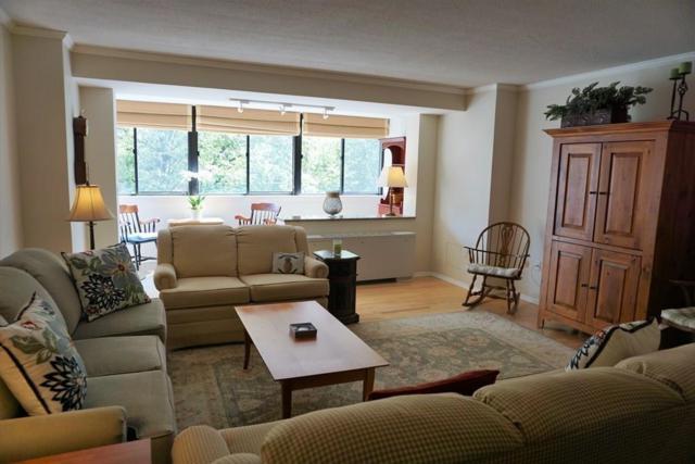 2 Hawthorne Pl 5N, Boston, MA 02114 (MLS #72208857) :: Goodrich Residential
