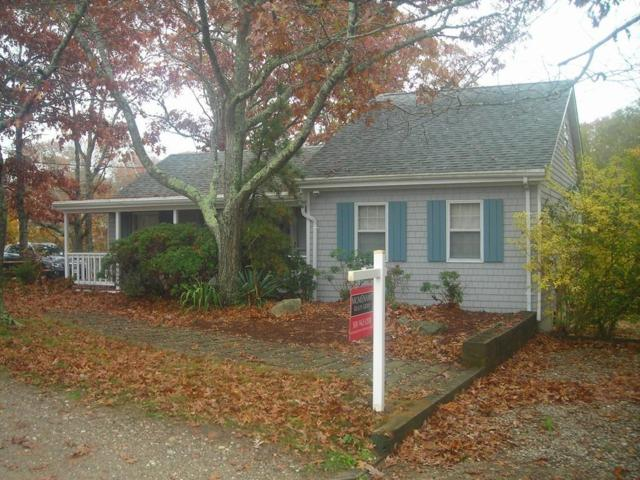 292 Edgewater Dr W, Falmouth, MA 02536 (MLS #72418930) :: Apple Country Team of Keller Williams Realty