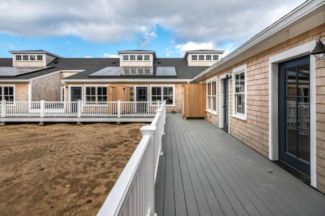 One Mariner's Landing #5, Edgartown, MA 02539 (MLS #72423678) :: Vanguard Realty