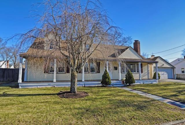 137 Maplecrest Drive, Pawtucket, RI 02861 (MLS #72432348) :: Westcott Properties