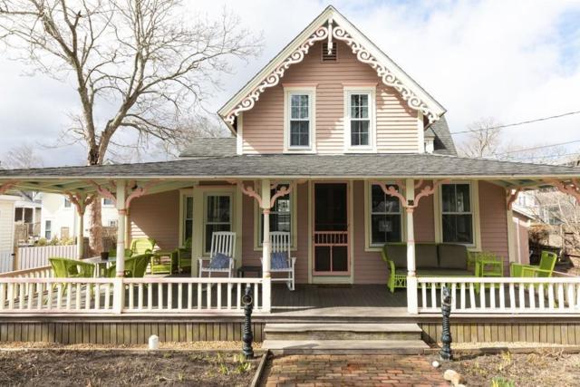 30 Massasoit Ave, Oak Bluffs, MA 02557 (MLS #72480673) :: Apple Country Team of Keller Williams Realty