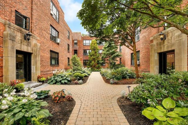 88 Marion St #5, Brookline, MA 02446 (MLS #72536467) :: The Muncey Group