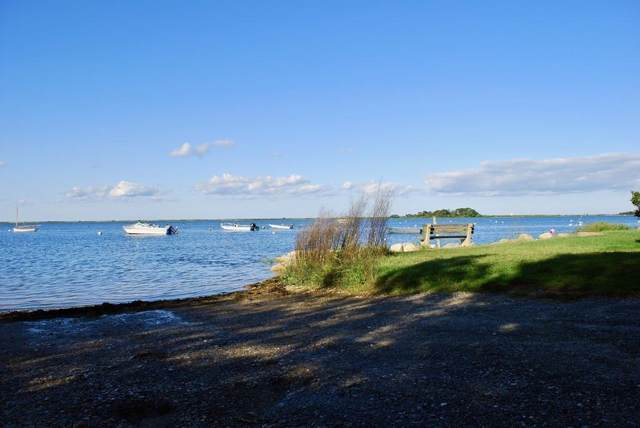 8 20th St. North, Edgartown, MA 02539 (MLS #72560949) :: DNA Realty Group