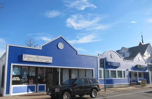 94-100 Rolfe Sq, Cranston, RI 02910 (MLS #72608140) :: Ponte Realty Group