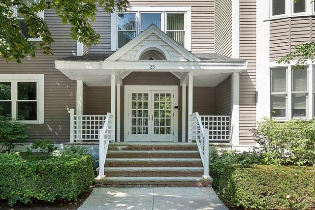 25 Holly Ln 2A, Brookline, MA 02467 (MLS #72691919) :: Conway Cityside