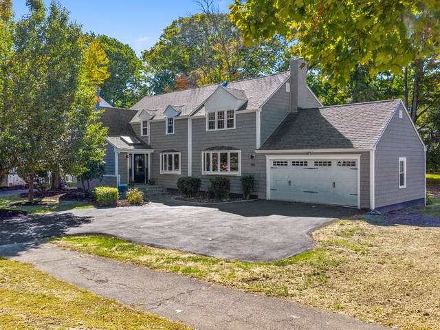 810 W Roxbury Pkwy, Brookline, MA 02467 (MLS #72757150) :: The Gillach Group