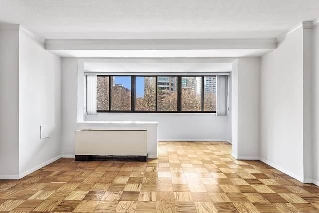 2 Hawthorne Pl 2B, Boston, MA 02114 (MLS #72764218) :: Welchman Real Estate Group