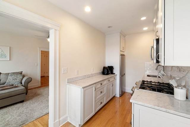 38 Linnaean Street #14, Cambridge, MA 02138 (MLS #72778750) :: Maloney Properties Real Estate Brokerage