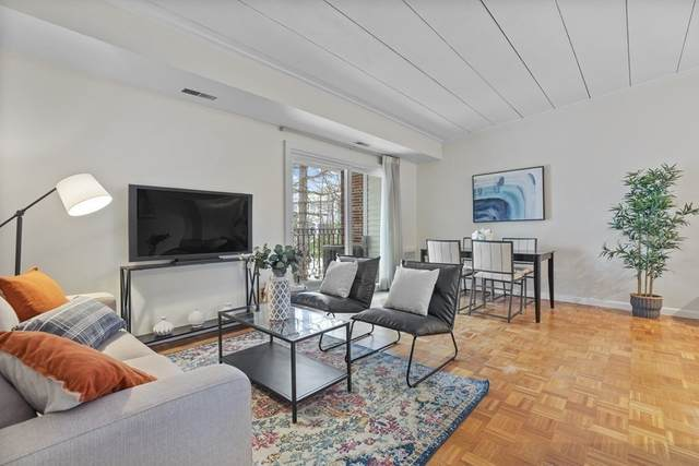 300 Tremont #9, Newton, MA 02458 (MLS #72786927) :: Spectrum Real Estate Consultants