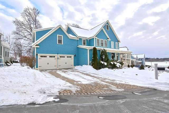9 Carriage Lane, Wakefield, MA 01880 (MLS #72787112) :: Cape Cod and Islands Beach Properties