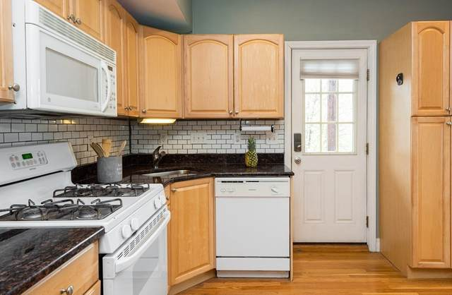 11 Columbia Rd #6, Wakefield, MA 01880 (MLS #72816341) :: Zack Harwood Real Estate | Berkshire Hathaway HomeServices Warren Residential