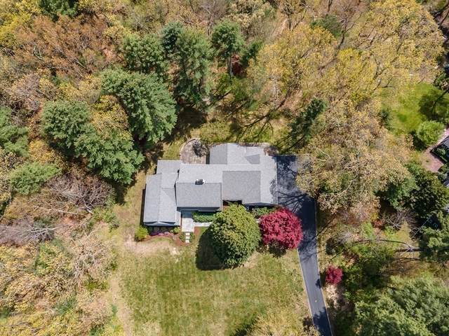 27 Brookfield Road, Dover, MA 02030 (MLS #72829150) :: Dot Collection at Access