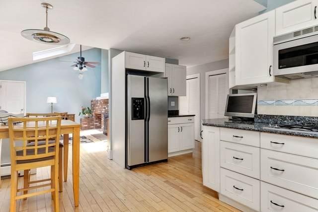 11 Golf Links Circle, Sandwich, MA 02563 (MLS #72858064) :: Maloney Properties Real Estate Brokerage