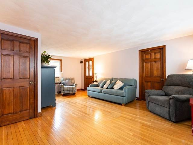 1055 Hanover St, Hanover, MA 02339 (MLS #72868679) :: Spectrum Real Estate Consultants