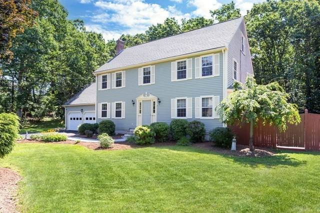 4 Old Carriage Lane, Franklin, MA 02038 (MLS #72874970) :: Welchman Real Estate Group