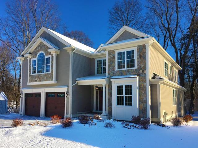 301 Linden St, Wellesley, MA 02481 (MLS #72271805) :: Goodrich Residential