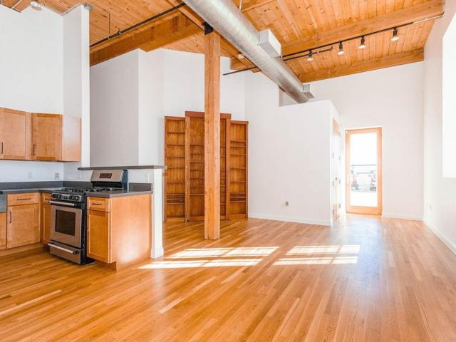 60 Tufts #8, Somerville, MA 02145 (MLS #72464142) :: Driggin Realty Group