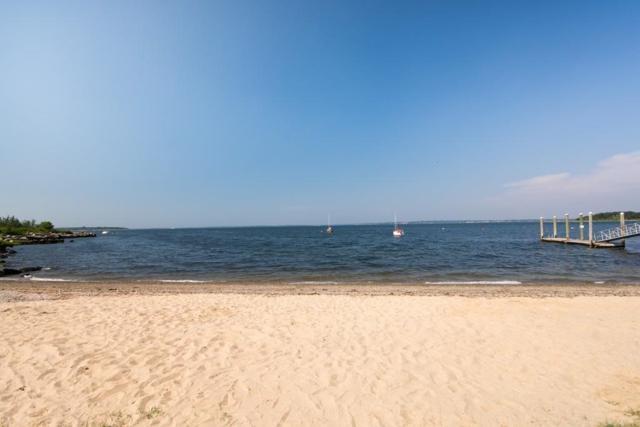 73 Sea Breeze Ln #73, Bristol, RI 02809 (MLS #72541191) :: revolv