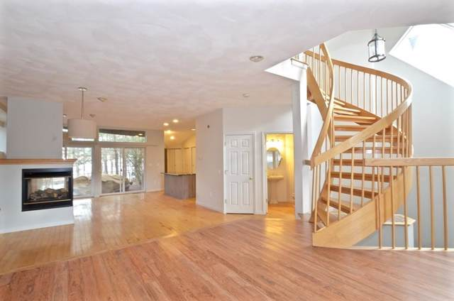4 Deer Path #4, Hudson, MA 01749 (MLS #72606469) :: The Duffy Home Selling Team