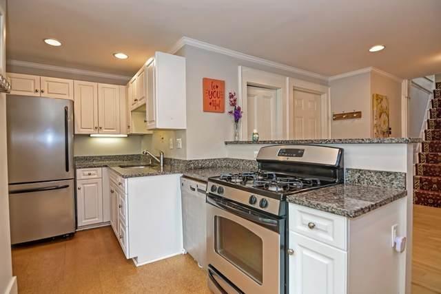 4 Spruce St. #3, Dedham, MA 02026 (MLS #72685824) :: Cosmopolitan Real Estate Inc.