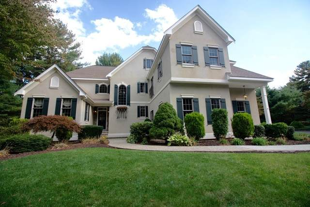 10 Kings Row, Cumberland, RI 02864 (MLS #72733421) :: Cosmopolitan Real Estate Inc.