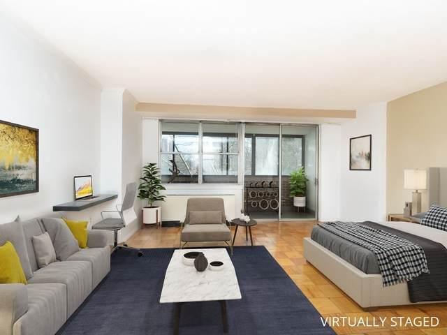 9 Hawthorne Place 5K, Boston, MA 02114 (MLS #72756475) :: Alex Parmenidez Group