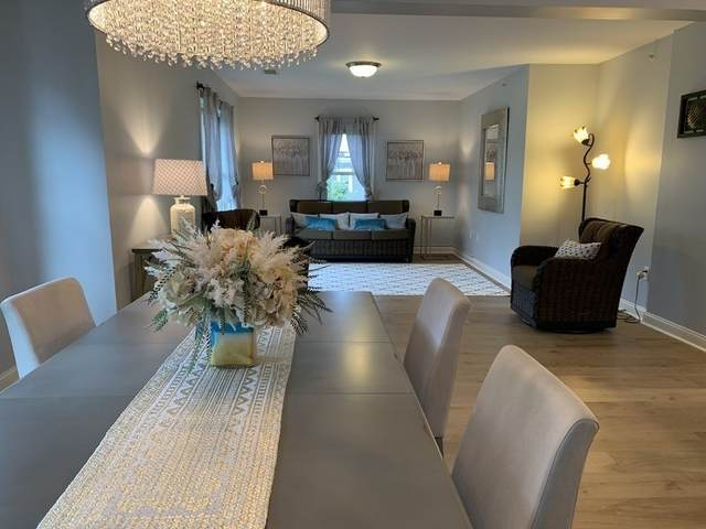 391 Pleasant St #301, Melrose, MA 02176 (MLS #72878412) :: The Smart Home Buying Team