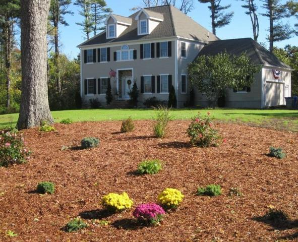 82 Lewis Point Rd, Bourne, MA 02532 (MLS #72159459) :: Goodrich Residential