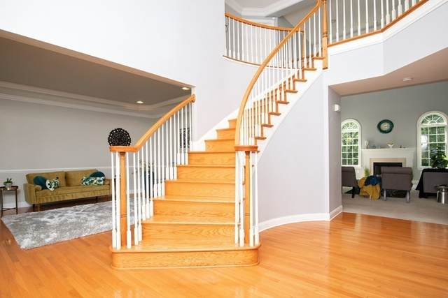 20 Olympic Court, Walpole, MA 02032 (MLS #72861086) :: Home And Key Real Estate