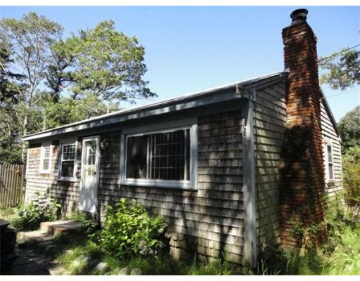 25 Lake Rd W, Yarmouth, MA 02673 (MLS #71283730) :: Exit Realty