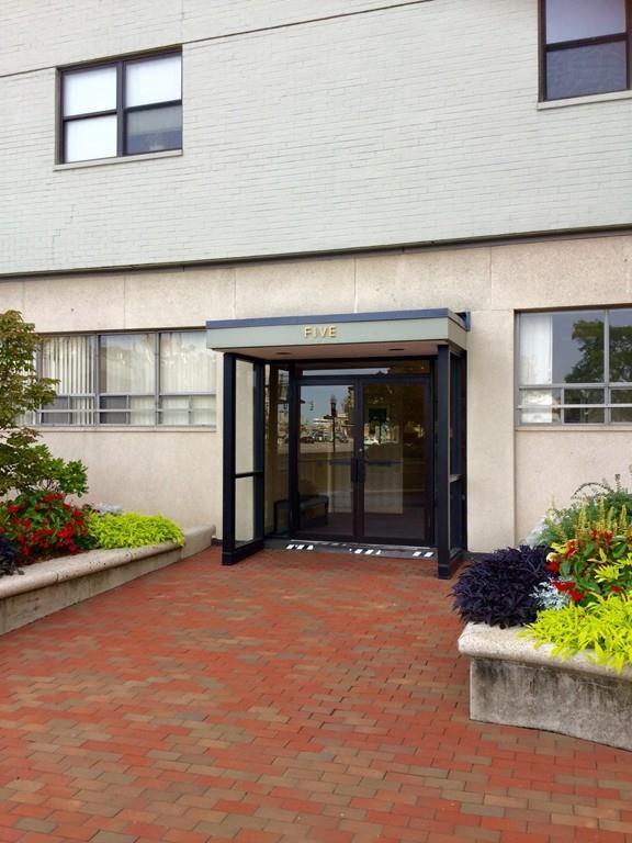 6 Whittier Place #101, Boston, MA 02114 (MLS #72115339) :: Goodrich Residential