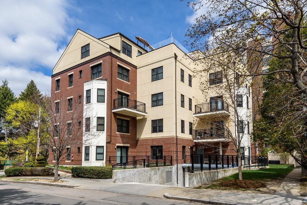 55 Park 3B, Brookline, MA 02446 (MLS #72148939) :: The Gillach Group